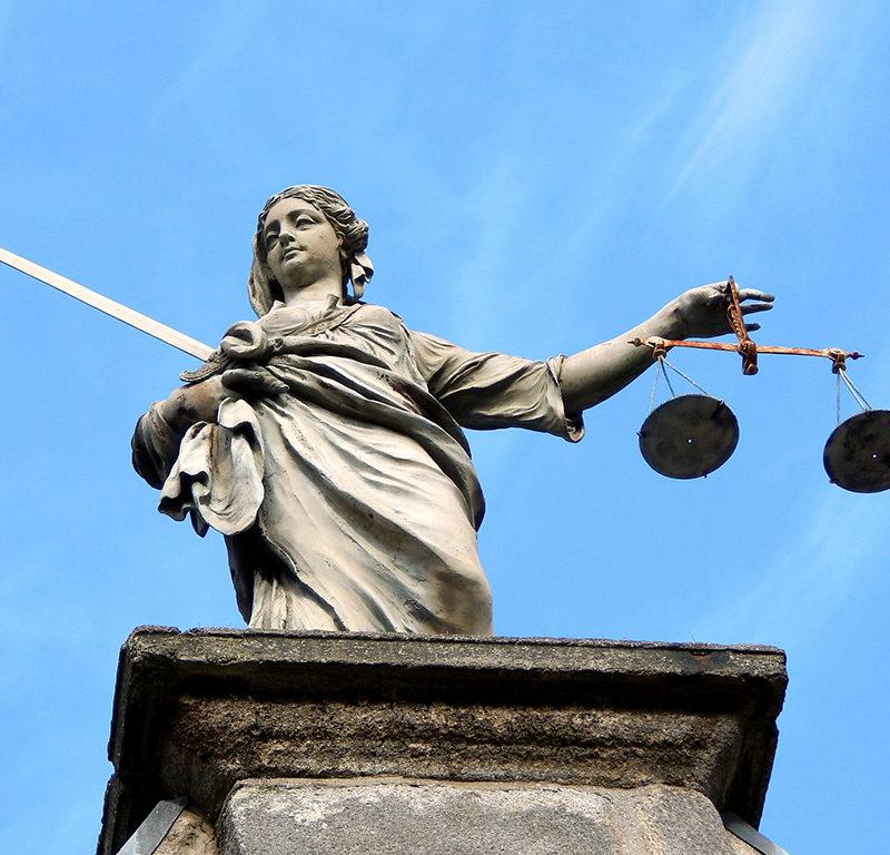 justitia statue